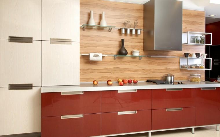 cocina-estanterias-cristal-madera-pared-muebles-rojos